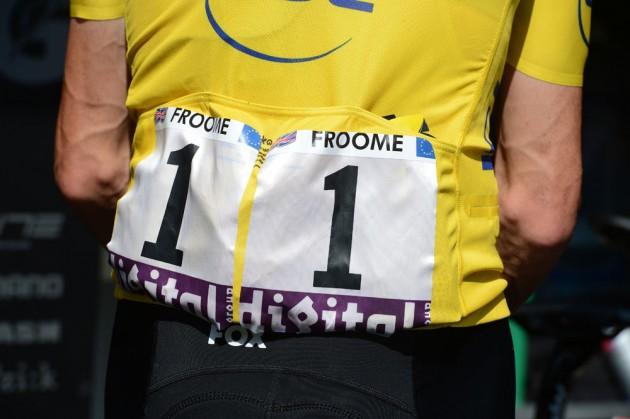 Chris Froome ha vestito il dorsale n1 destinato al campione uscente