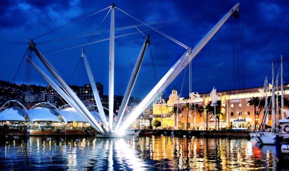 Genova by Night - Il Bigo e la zona Porto Antico