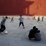 Cina, Pechino, 1997. Foto di Steve McCurry